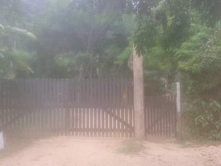 Casa pé na areia em praia paradisíaca com cachoeira 100 metros !!! Oportunidade!, Ubatuba