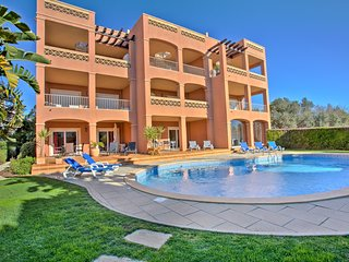 Vista Baia Beach Apartment, Ground Floor by pool (A)