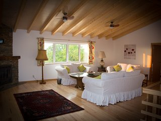 First Season - Luxury Three Bedroom Cottage with hot tub, Lousa