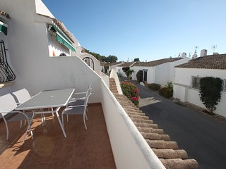 Casita Limon - well-furnished villa with panoramic views in Benitachell