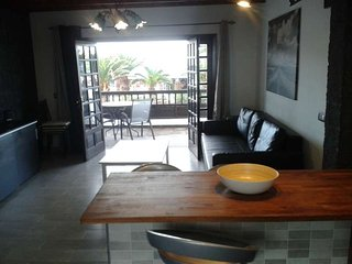 2 bedroom Apartment with Pool and WiFi - 5691568