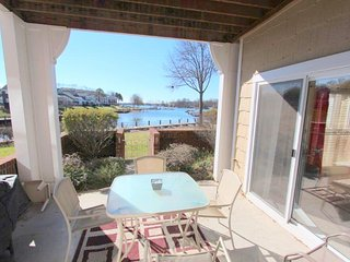 Preeminent Waterfront Condo on Lake Norman Ground Floor Boat Slip Pool Tennis, Cornelius