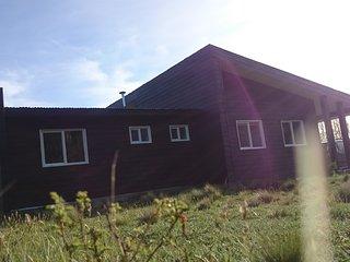 Cabana Carpintero Negro equipada para 6 personas con tina caliente privada