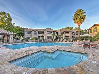 3BR Scottsdale Condo w/Resort Pools & Courtyard View