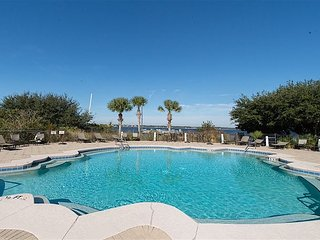 4BR, 3.5BA Florencia Condo on the Water in Perdido Key, Pool & Gym Access, Cayo Perdido