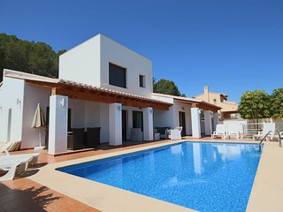 Luxurious & Secluded Villa - Private Pool, Walk to the Beach & Moraira: Villa Amplolla I, La Llobella