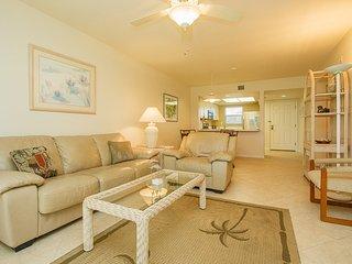 Living Room Tropical Decor