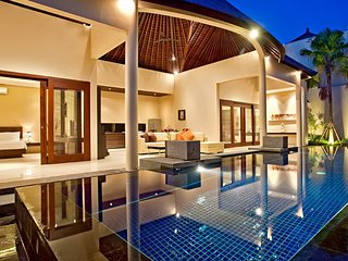Luxury 2 Bedroom Villa in Oberoi, Seminyak