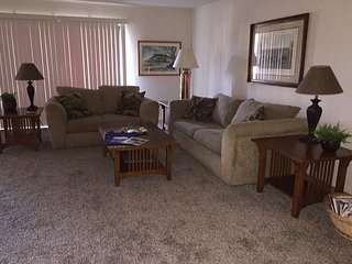 Comfortable 2 bedroom in the Del Mar Beach Club Complex