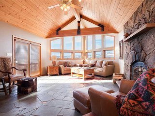 Ski Trail Lodge II