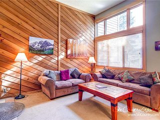 7th Night Free. True Ski-in/Ski-Out, Wi-Fi, Gas Grill, Pool & Hot Tub Access