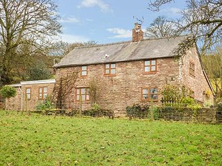 THE ORCHARD, detached, pet-friendly, two woodburners, Ludlow, Ref 933509