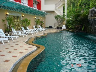 Room For Rent Patong with Pool, Housekeeping, WiFi