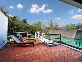 Sea View 3-Bed Residence in Patong