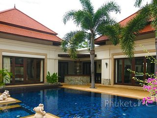 Spacious 4-Bed Family Pool Villa in Bangtao