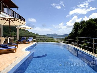 Delightful 5-Bed Sea View Villa in Patong