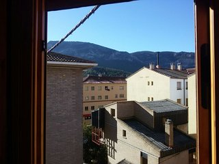 Apartment with wonderful mountain view, Montalbán