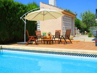 Villa 5 habitaciones 10 min. de Valencia con piscina y jardin.