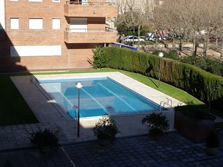 -APARTMENT WITH COMUNITY POOL CLOSE TO THE BEACH ref VIKTOR