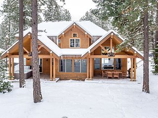 Luxurious Suncadia Retreat on the Course! 5BR | 4.5BA | Hot Tub | Slps 15