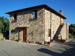 4 bedroom Apartment in Stabbiano, Tuscany, Italy : ref 5336594