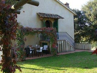2 bedroom Villa in Monteoliveto, Tuscany, Italy : ref 5336818