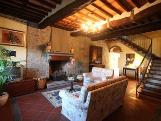 San Cassiano a Moriano Apartment Sleeps 8 with Pool and WiFi - 5336634