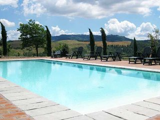 2 bedroom Apartment in Cozzano, Tuscany, Italy : ref 5336643