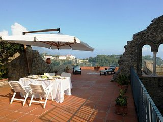 Bomerano Villa Sleeps 10 with Pool and Air Con - 5336657