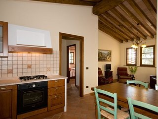 Montaperti Apartment Sleeps 4 with Pool and WiFi - 5336669