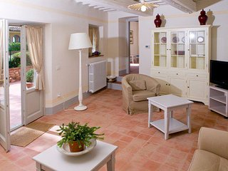 Cantagrillo Apartment Sleeps 4 with Pool - 5336677