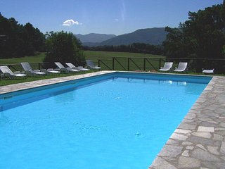 Amazing Lucca 2 Bedroom Vacation House