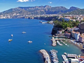 2 bedroom Apartment in Sorrento, Campania, Italy : ref 5336802