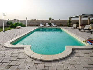 Nearco - apartment in typical Apulian masseria with shared pool