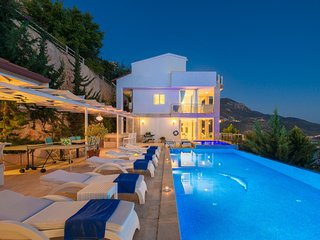 Luxury private villa rental with pool in Turkey