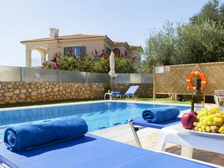 Luxury Villa For Rent In Kefalonia, Pesada