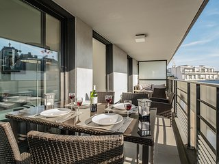 Hugo Boss - Sunny Penthouse, Great balcony