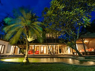 7 Bdr Villa Seminyak - Last Minute Deal 50%+ OFF!!!