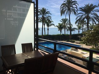 Skol suite2A  SuperLuxury beachfront central location with pool, views and WIFI, Marbella