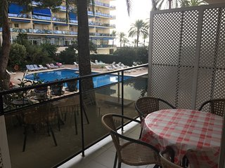 Skol 124 beachfront central location with pool, views, WIFI, Marbella