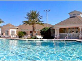House,Building,Water,Pool,Swimming Pool