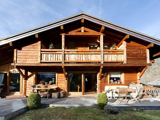 Luxury Ski-In, Ski-Out Chalet, Praz Sur Arly