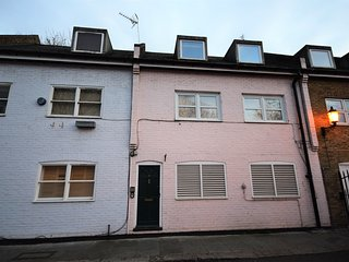 Stunning Mews House in Notting Hill in quiet area, Londres