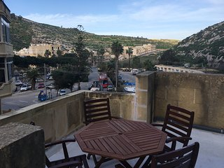 Diver's Paradise! Gorgeous duplex with terrace in Xlendi Bay, Gozo