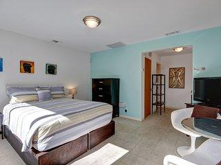Parocela Place Villas #B, Palm Springs