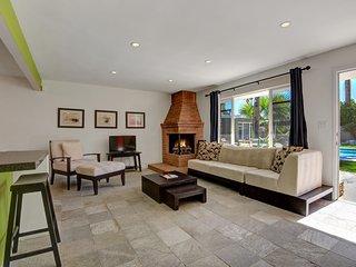 Parocela Place Villas #D, Palm Springs