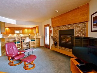 UP TO 40% OFF Till 4/23! NEAR LIFTS Great Views of Slopes/Snake River. HOT TUB, Keystone