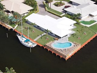 Upscale 3BR, 3BA Pompano Beach House w/ Pool Over the Intracoastal Waterway