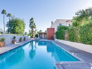 2BR, 2.5BA Palm Springs Townhome w/ Roof Deck, Pool, Spa