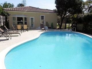 3BR, 2BA Lantana Beach House with Pool – Near Downtown & Airport, Lake Worth